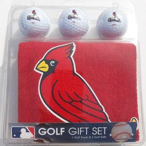 St. Louis Cardinals golf gift set 3 Balls & 1 Towe